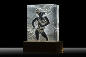 Art and Light LED through Plexiglass - ARTELUX SCULTURA DONNA Image 0